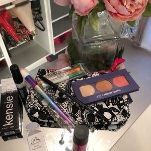 Assorted makeup bundle